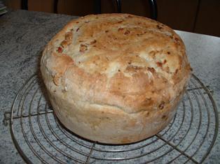pain aux lardons et oignons en cocotte