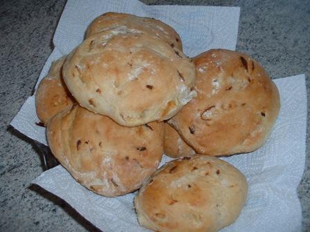 petits pains aux oignons